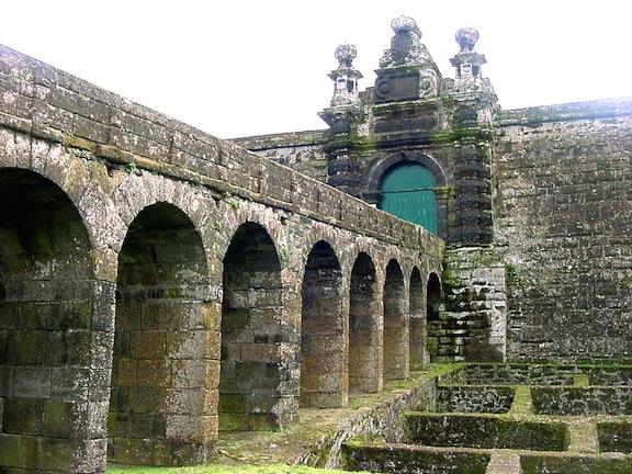 Una de las entradas en la fortaleza del Monte do Brasil (Terceira)