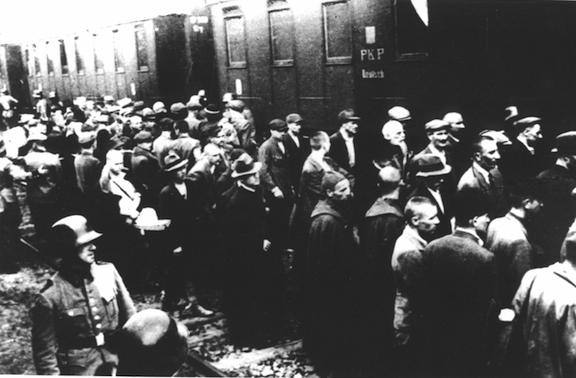Primer transporte a Auschwitz