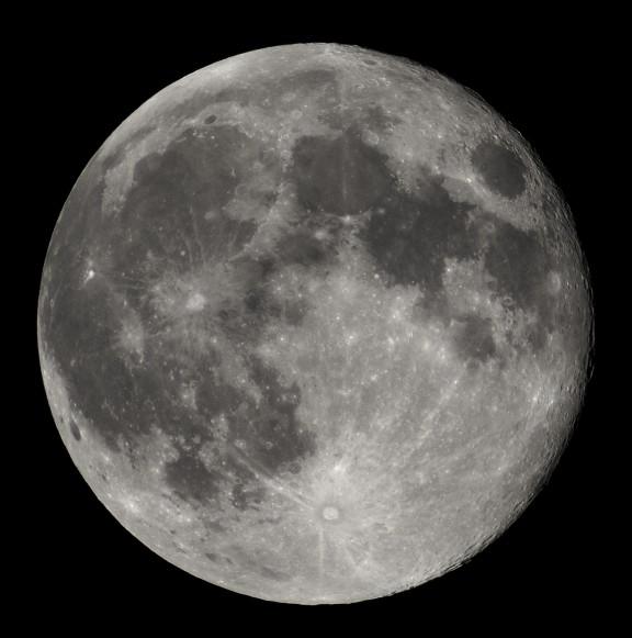 Full_Moon_Luc_Viatour-e1431275731938